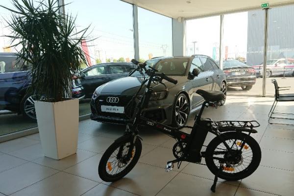 Audi Rezé met un Vélo à Assistance Electrique Sun City NANTES à votre disposition le temps de la réparation de votre véhicule.