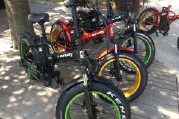 Le  Fat Bike  Electrique Sun City Nantes fait sensation à JARDY ! Oh Jardy  dis lui OUI !